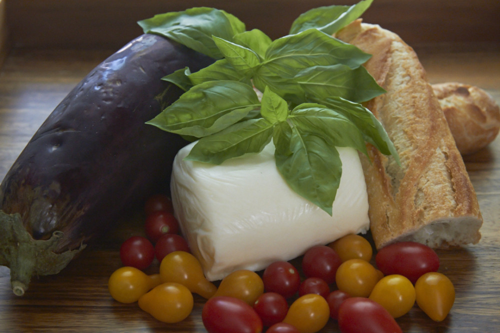 14-0823-eggplantcapresesand-1743