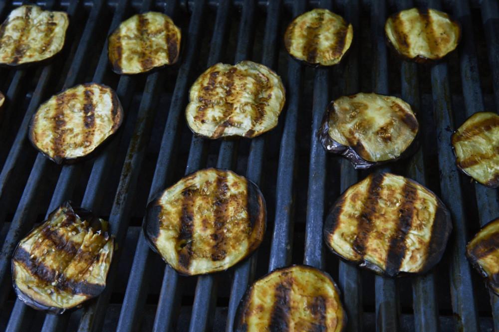 14-0823-eggplantcapresesand-1746